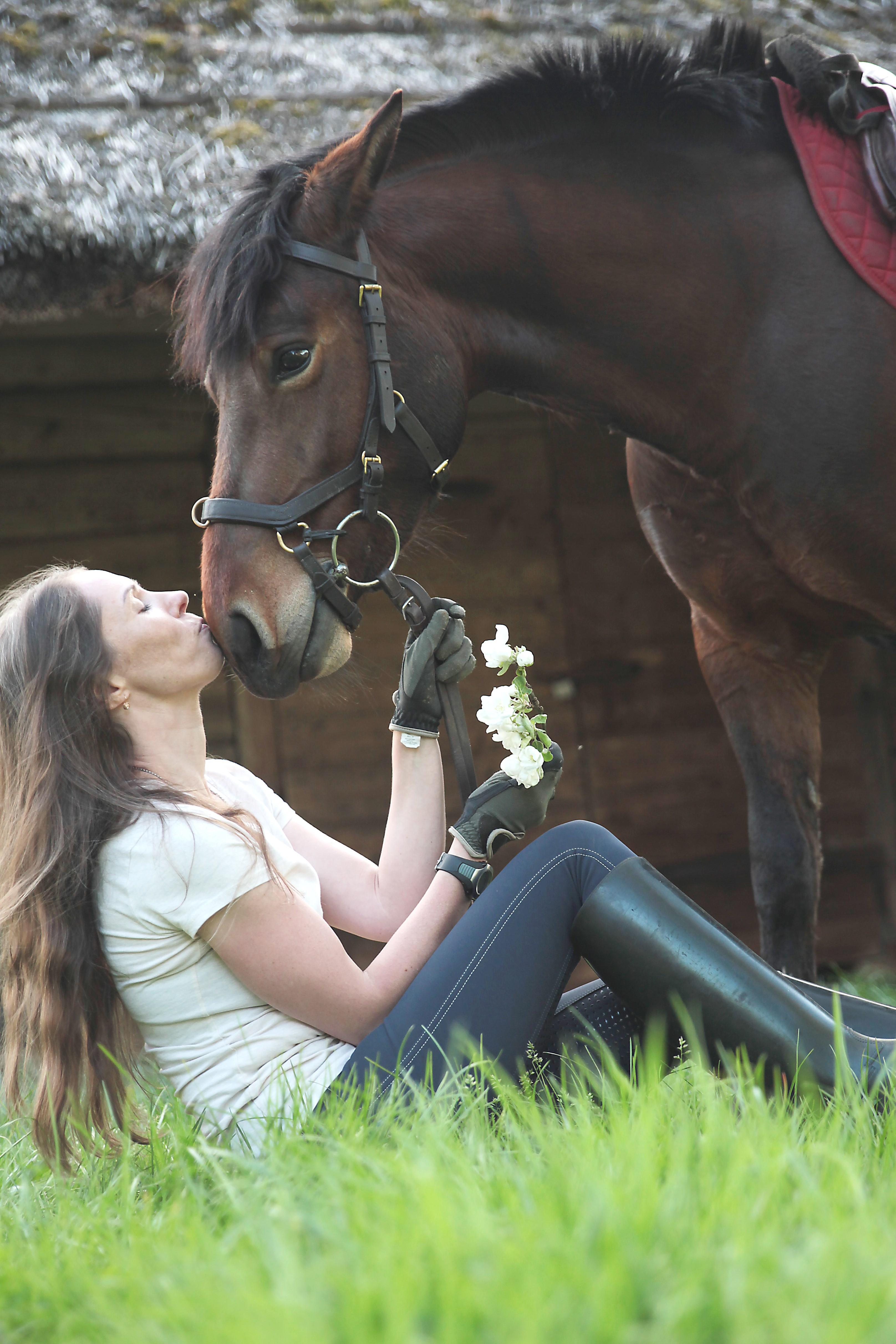 Jodinėjimas žirgais.