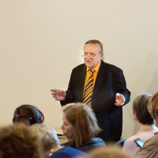 LLBM direktoriaus pavaduotojas informacijai ir muziejininkystei dr. E. J. Morkūnas