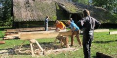 Lietuvos liaudies buities muziejuje vyko medžio meistrų mokymai