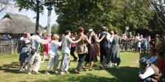 Šokime kartu! Tradiciniai lietuvių šokiai