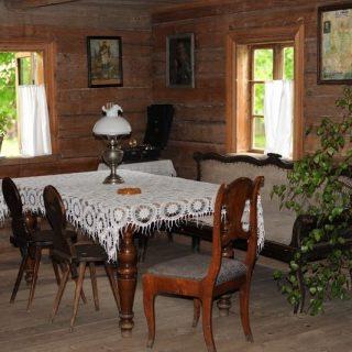 Suvalkija, Obelinės stubos interjeras