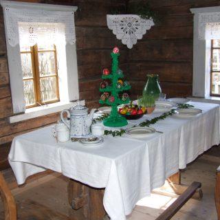 Velykų stalas